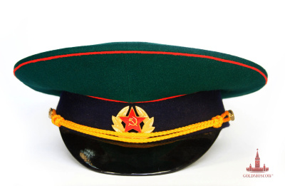 Cap Border Guards  military cap Border Troops. Material 100% wool cloth. Ceremonial gold braid and a soldier's badge sample Soviet period. The rich history of Russian border troops and eventful feats Russian heroes, starting with the period of the reign of Vladimir in Kiev Rus. So one of the first defenders of the borders it was Ilya Muromets. Every year, May 28 is the day of the frontier guard, not only in Russia, but in all the countries of the former Union of Soviet Socialist Republics. Cap this day can be seen on all those in any period had served valiantly for the protection of borders of our Motherland.